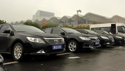 Số xe phục vụđại biểu dự đại hội đều được cấp biển số tạm thời. Ảnh:Cục CSGT