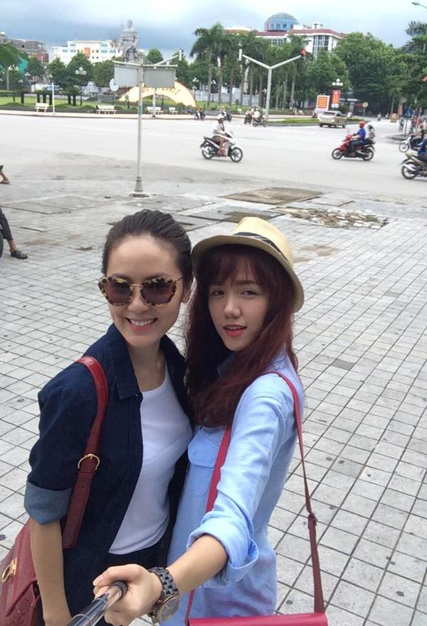 Hai chị em Phương Linh và Phương Ly đều chuộng phong cách street style năng động, trẻ trung cho phong cách thường ngày của mình.