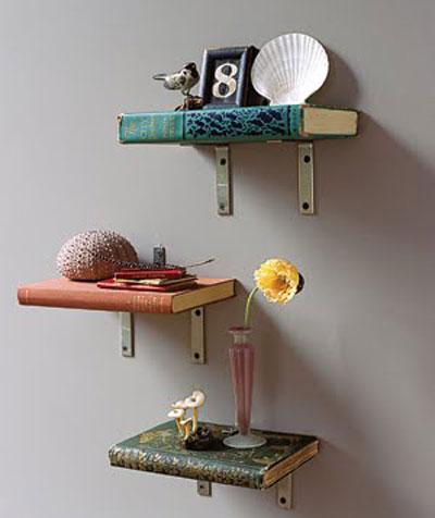 Những cuốn sách to dày này có thể thay thế chiếc kệ, lại tạo nên phong cách riêng
