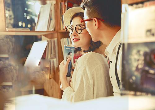 Người vợ nào cũng sẽ có thể bật khóc khi chồng đưa mình đến một nhà hàng, một địa điểm mà nó chính xác là lần đầu tiên hai bạn hẹn hò hoặc có quá nhiều kỉ niệm đáng nhớ ở đó cùng nhau. (Ảnh minh họa)