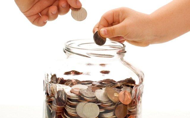 Để quen với việc tiêu ít hơn số tiền mình kiếm được cần có thời gian. Hãy bắt đầu bằng cách tìm hiểu các cách tiết kiệm tiền.