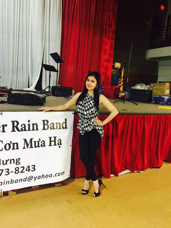 Hiện tại cô là một ca sỹ khá đắt show trong cộng đồng người Việt tại nước ngoài. Trên trang cá nhân của mình, Yến Vy thường xuyên cập nhật những hình ảnh vui vẻ và công việc của mình cho các fan hâm mộ.