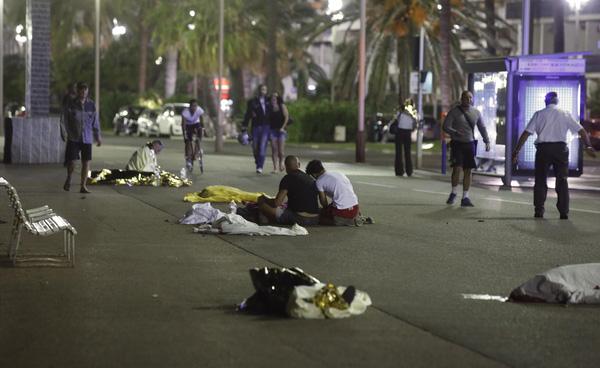 Một bức ảnh khác cũng cho thấy khung cảnh tang thương tại thị trấn nghỉ dưỡng yên bình.