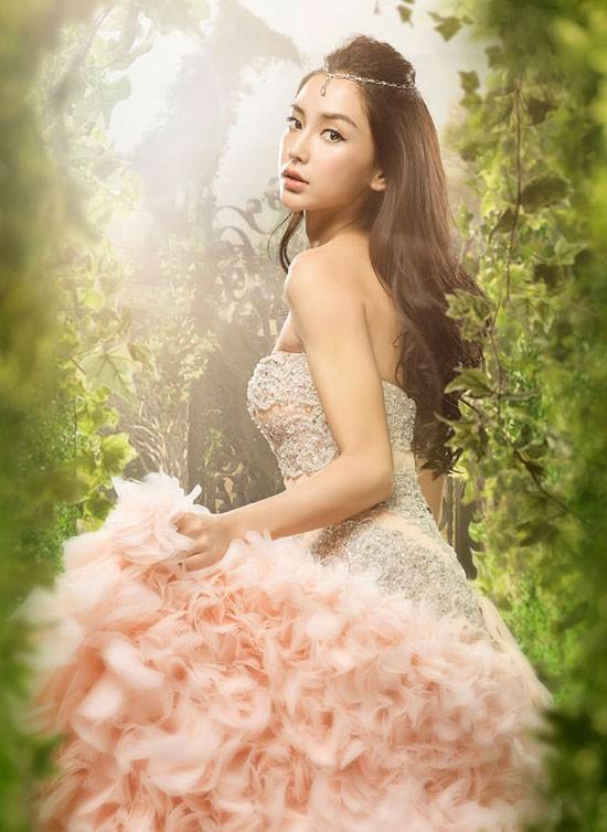 Angelababy muốn có một vai diễn để đời như Lý Nhược Đồng từng thành công với Tiểu Long Nữ.