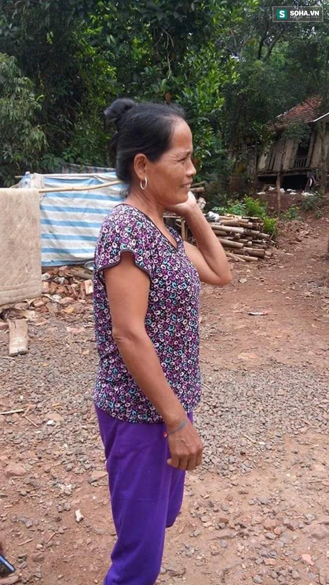 Bà Bụi Thị Khuyển (vợ Bùi Văn Chinh - PV).