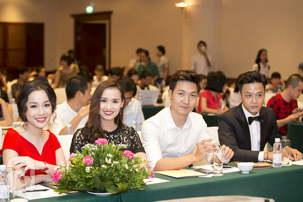Hồng Đăng, Mạnh Trường, Lã Thanh Huyền, Minh Hương là 4 diễn viên chính trong phim Zippo, Mù Tạt và Em.