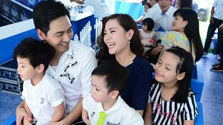 Giờ đây, hình ảnh của Phan Anh trong mắt khán giả là một người đàn ông của gia đình.
