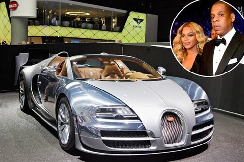 Beyonce tặng Jay Z chiếc xe Bugatti Veyron trị giá hai triệu USD nhân sinh nhật lần thứ 41 của chồng.
