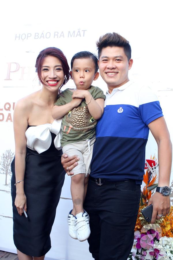 Một số nghệ sĩ khác có mặt tại sự kiện gồm: Nhạc sĩ Nguyễn Văn Chung và con trai.