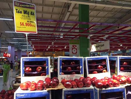 Táo Mỹ được bán giá bèo tại siêu thị BigC
