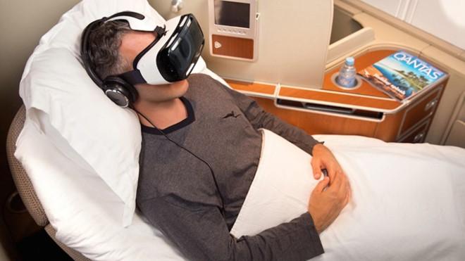 Hãng hàng không Qantas đang thử nghiệm công nghệ VR trên chặng bay Australia – Los Angeles.