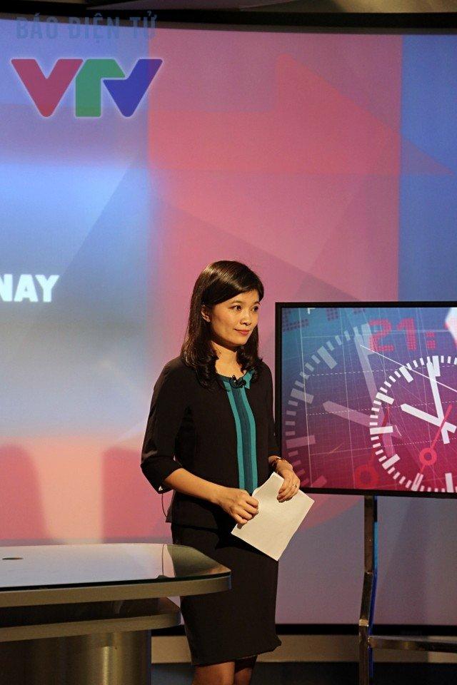 Trước khi rời VTV, Diệp Anh làm chương trình Vấn đề hôm nay cùng BTV Quang Minh