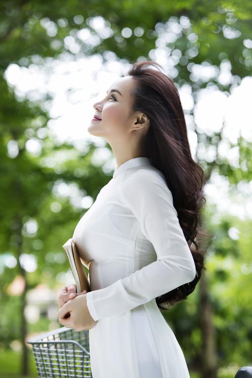 MV mới nhất Trái tim còn trinhcủa Vy Oanh được trích từ album Hạnh phúc nơi nào, sẽ ra mắt vào tuàn tới. Ca khúc này là nhạc ngoại lời Việt của nhạc sĩ Phạm Duy.