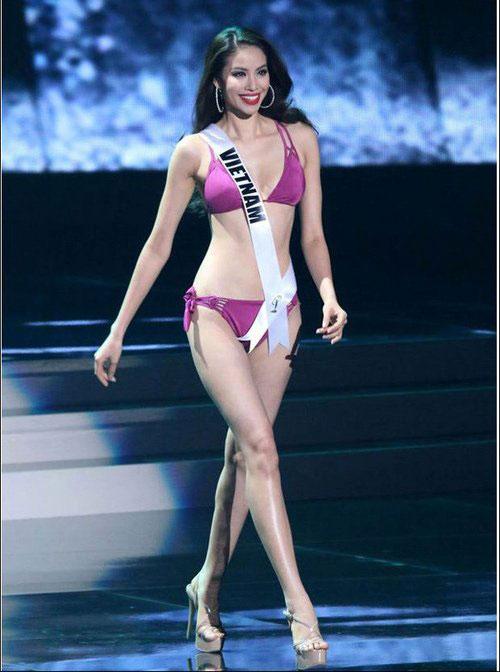 Phạm Hương trong phần thi bikini ở đêm bán kết Hoa hậu Hoàn vũ thế giới 2015