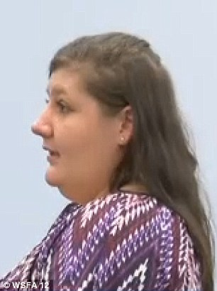 Courtney vẫn tin tưởng vào sự thay đổi của mẹ và cầu xin cho bà được mãn hạn tù.