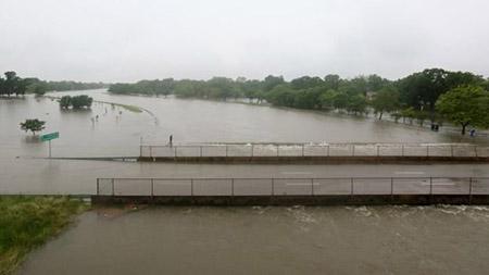Đợt mưa ngày 18-4 được nói là lớn nhất lịch sử Houston - Ảnh: Houston Chronicle