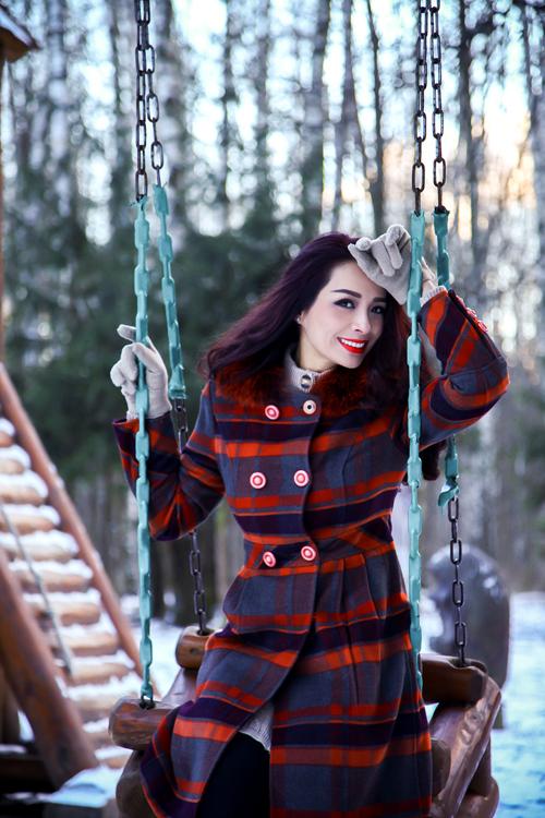 Gái hai con chia sẻ, năm ngoái, chị cũng có dịpsang Nga vào mùa đông nên đã quen với thời tiết khắc nghiệt. Năm nay, tuyết rơi ít hơn,nhiệt độ xuống thấp khoảng -8 độ C.