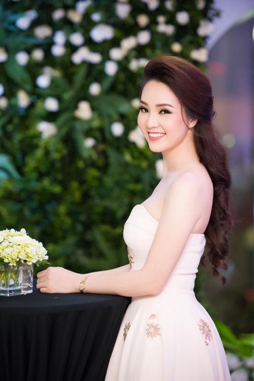 Không ồn ào như nhiều người đẹp khác, sau khi đăng quang Á hậu 2 Hoa hậu Việt Nam 2008, Thụy Vân kết hôn và ổn định cuộc sống. Cô là gương mặt MC quen thuộc trên sóng truyền hình.