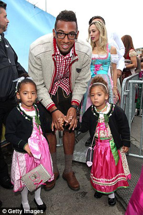 Boateng đã nói rằng anh muốn con gái mình ở nhà hơn là đi đến các giải đấu vì nguy cơ của một cuộc tấn công khủng bố tại đây rất lớn.