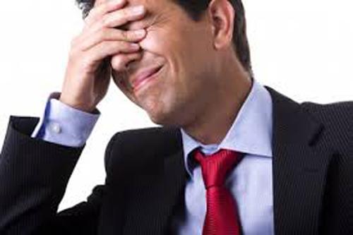 Sử dụng điện thoại di động với mức độ cao có liên quan đến căng thẳng và rối loạn giấc ngủ cho phụ nữ, đồng thời liên quan đến rối loạn giấc ngủ và các triệu chứng của bệnh trầm cảm ở nam giới. (Ảnh minh họa)