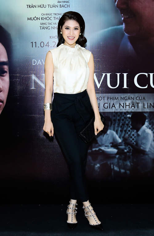 MC Thu Hằng thanh lịch với trang phục của nhà thiết kế Lam Gia Khang, dự ra mắt phim.