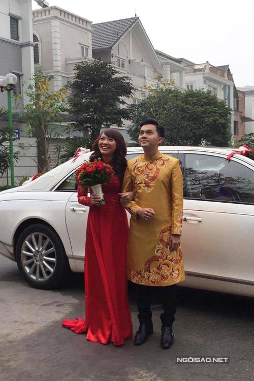 Cô dâu hạnh phúc chuẩn bị bước về nhà chồng.
