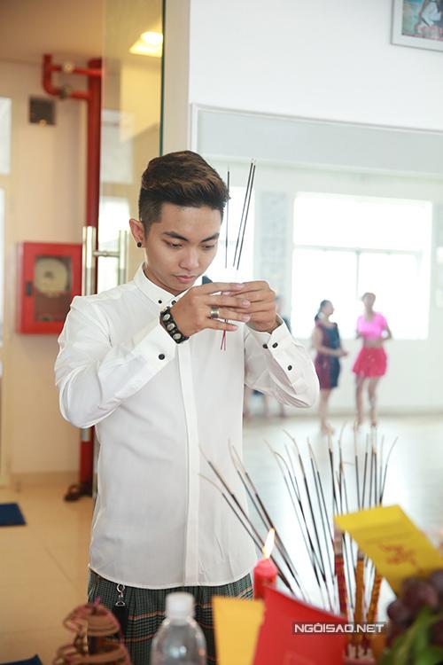 Phan Hiển hy vọng, năm nay công việc của anh và Khánh Thi đều suôn sẻ, câu lạc bộ đào tạo thêm nhiều học viên mới chất lượng.