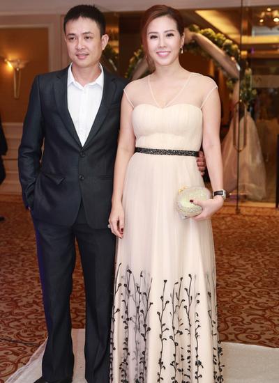 Hoa hậu Thu Hoài dự tiệc cùng người bạn.