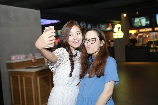 Khánh Hiền và đạo diễn Mỹ Trang.