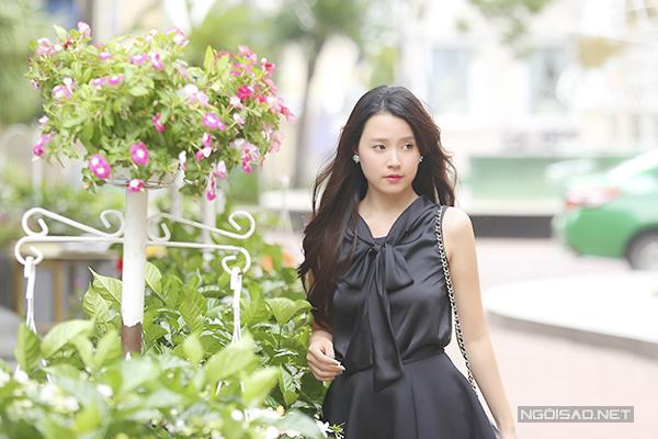 Vẻ đẹp mong manh, dịu dàng của Midu giúp cô được nhiều người yêu mến, ngưỡng mộ.