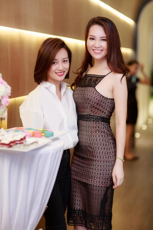 Quỳnh Chi, biên tập viên thể thao cũng có mối quan hệ gắn bó với Thụy Vân.