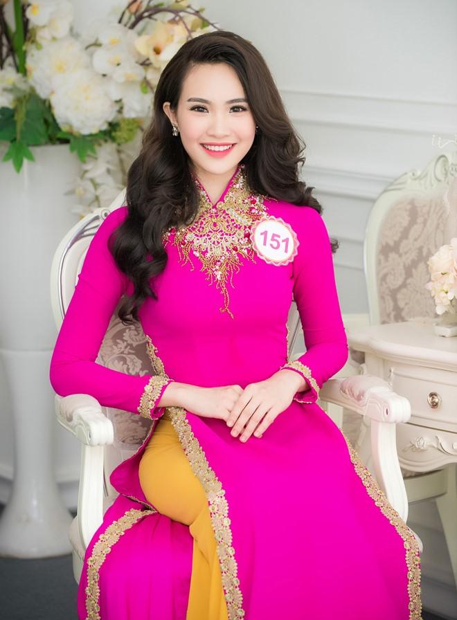 Sái Thị Hương Ly gây chú ý ngay ở tên gọi. Nữ sinh Đại học Kinh tế Quốc dân Hà Nội sở hữu chiều cao 1,69 m. Cô từng lọt top 20 Miss Teen Vietnam 2012.