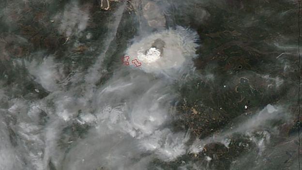 Hình ảnh vệ tinh do NASA công bố cho thấy quy mô đám cháy - Ảnh: AFP