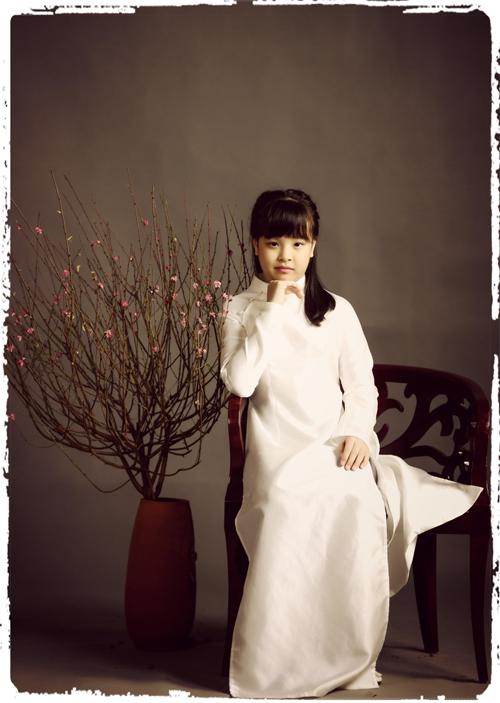 Chị cả Suli, tên thật là Gia Hân, năm nay 9 tuổi.