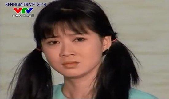 Khi đang ở đỉnh cao sự nghiệp, Diễm Hương lại vướng phải scandal tình ái với doanh nhân Việt kiều khiến chị hoàn toàn suy sụp. Sau vai Ngân Hà trong bộ phim truyền hình Những nẻo đường phù sa của đạo diễn Châu Huế, chị quyết định rời xa màn ảnh khiến nhiều người hâm mộ phải tiếc nuối.