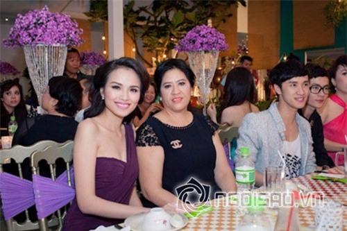 Hoa hậu Diễm Hương từng xuất hiện vui vẻ bên mẹ ruột.
