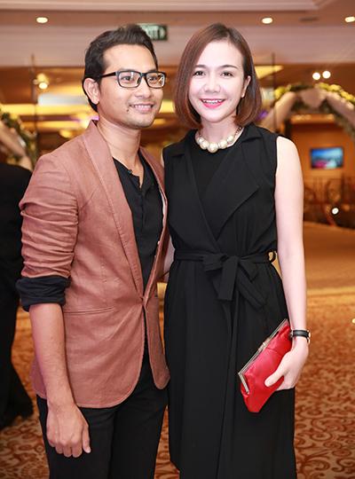 Vợ chồng Huỳnh Đông - Ái Châu sánh đôi dự tiệc.