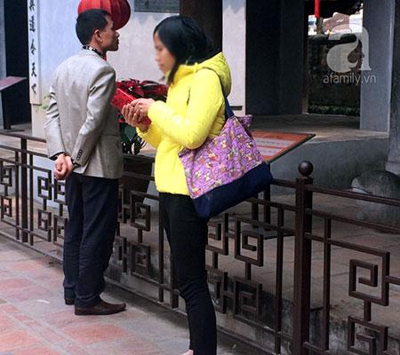 Trong chiếc túi vải mà nữ quái này cũng đựng khá nhiều tiền trong các lần lấy cắp.