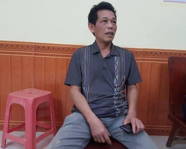 Ông Nguyễn Văn Cầu, trưởng thôn Gò Hu cho rằng chính quyền đã quá thờ ơ trước lời kêu cứu của người dân. Ảnh: Cao Tuân