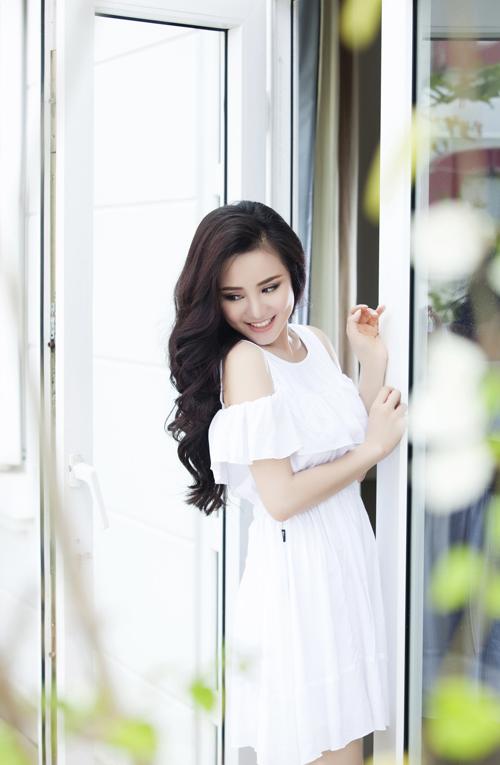 Album mới sẽ gồm những ca khúc nhạc ngoại lời Việt nhẹ nhàng bay bổng, trong đó Vy Oanh viết lời 2 ca khúc. Album này được Vy Oanh thu âm tại Việt Nam và Mỹ.
