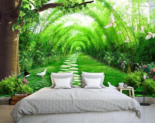 Những vòm cây xanh mướt giúp cho phòng ngủ có chiều sâu hơn.