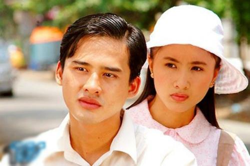 Hình ảnh Lương Thế Thành trong phim Miền đất phúc. Lúc này anh 23 tuổi, đang là sinh viên trường Sân khấu Điện ảnh TP HCM. Trước đó nam diễn viên góp mặt trong vài phim nhưng không mấy nổi bật.