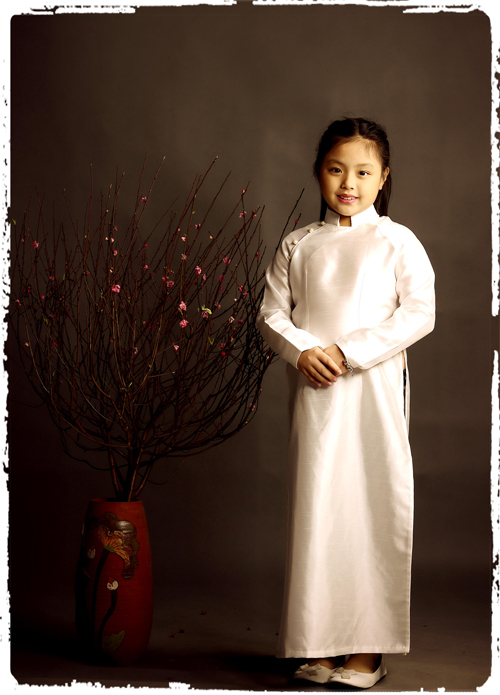 Còn cô út Suti, tên thật Gia An, năm nay 8 tuổi. Khi tham gia chương trình Bố ơi! Mình đi đâu thế, Suti bộc lộ tính cách ngây thơ, lí lắc khiến khán giả thích thú.