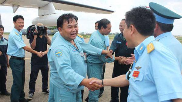 Hình ảnh gần gũi của Lữ đoàn trưởng Lê Kiêm Toàn. Ảnh Tiền Phong
