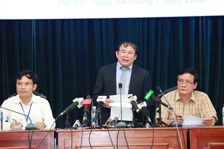 Thứ trưởng Bùi Văn Ga thông tin tổng kết kỳ thi THPT Quốc gia 2016. Ảnh: LĐ