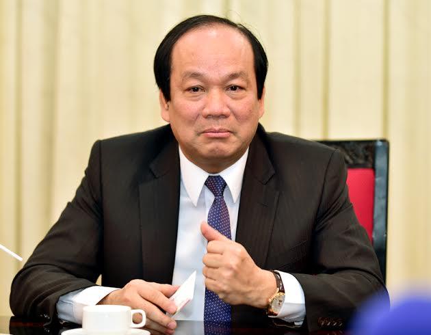 Bộ trưởng Dũng cho biết Chính phủ đang quyết tâm làm gương cho xã hội. Ảnh P.T