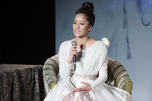 Khánh Thi từng bị phụ tình, chơi xấu và gặp nhiều điều tiếng trong cuộc tình cô - trò với Phan Hiển.