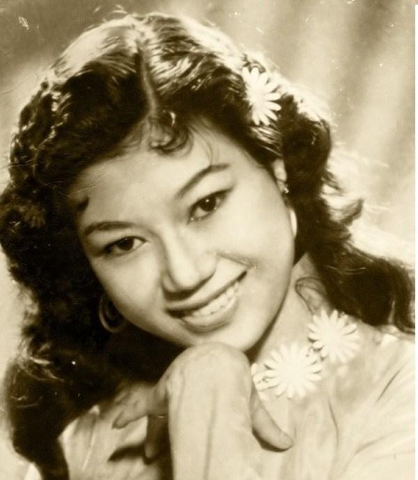 NSND Kim Cương thời trẻ.