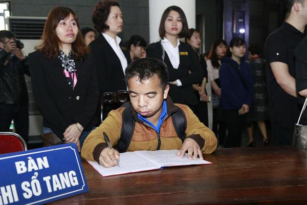 Bất kể ai, người nào để không thể cầm lòng trước sự ra đi đầy nuối tiếc của nhạc sĩ Trần Lập.