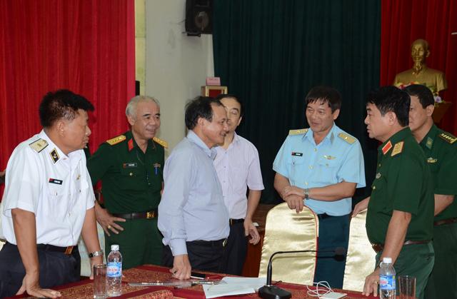 Thứ trưởng Bộ Giao thông vận tải Nguyễn Nhật tham gia cuộc họp chỉ đạo công tác tìm kiếm cứu nạn